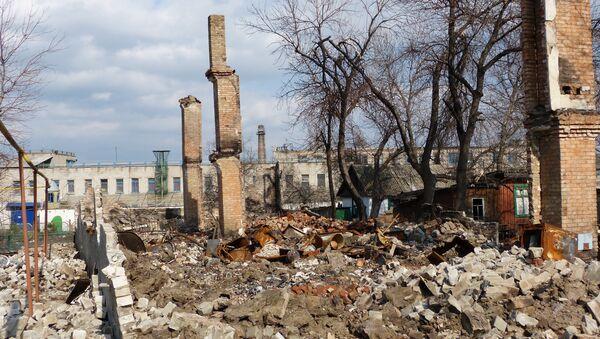 Distruzione nel Donbass - Sputnik Italia