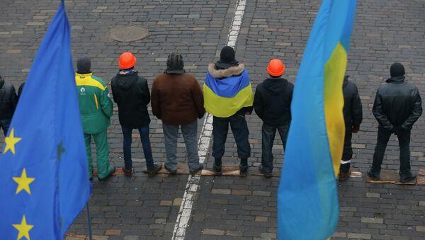 Attivisti filo-Maidan - Sputnik Italia