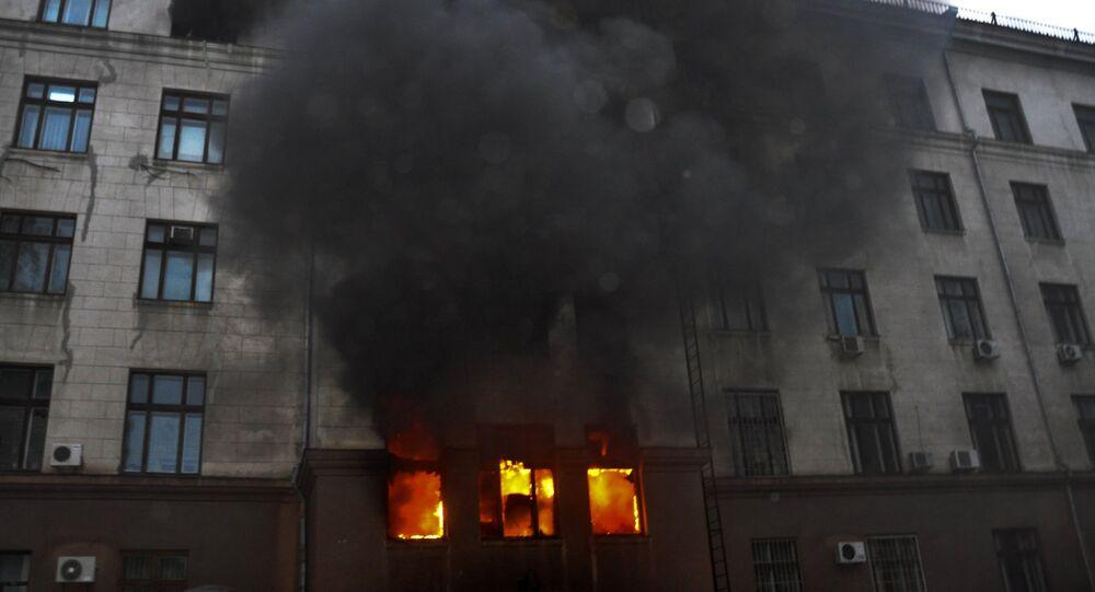 Fiamme alla Casa dei Sindicati di Odessa