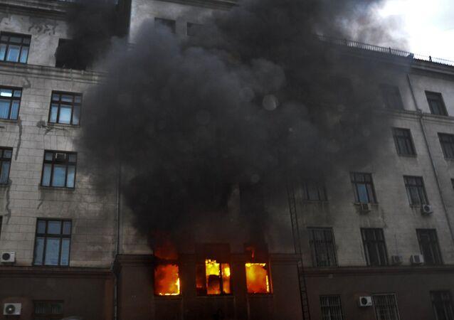 Fiamme alla Casa dei Sindicati, Odessa.
