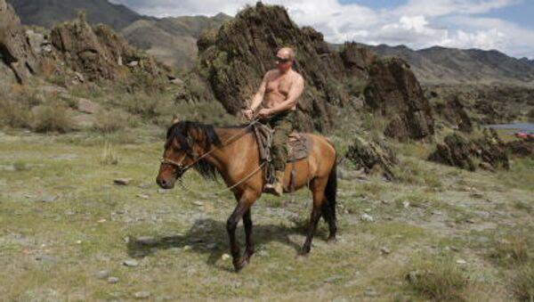 Putin a cavallo - Sputnik Italia