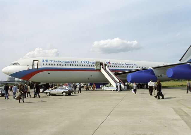 Il-96-400