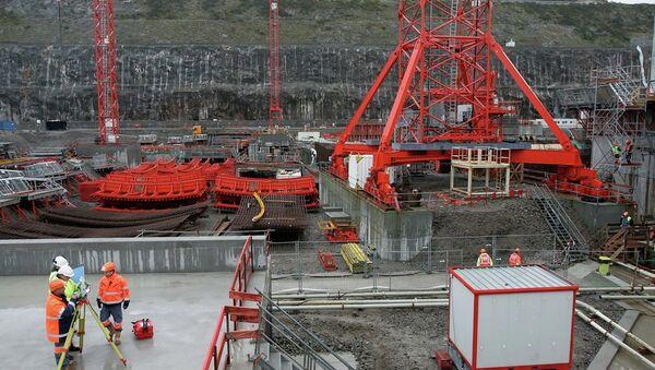Costruzione di un reattore nucleare - Sputnik Italia