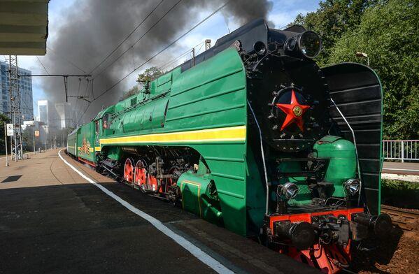 La sfilata delle locomotve d'epoca a Mosca - Sputnik Italia