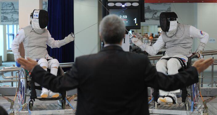 Un duello ai campionati russi di scherma paralimpica