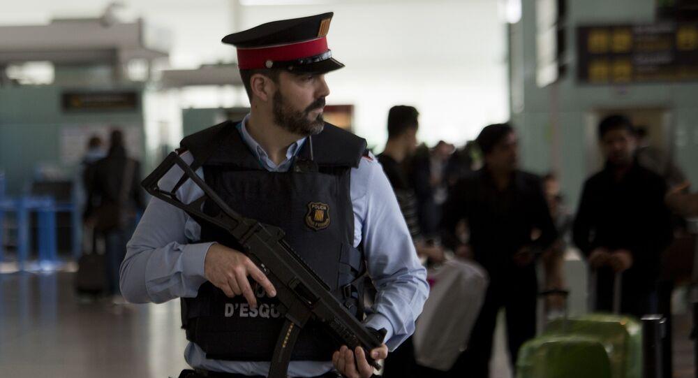 Un agente di polizia in Spagna