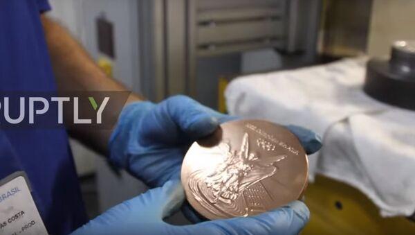 Rio 2016: come si fanno le medaglie olimpiche - Sputnik Italia