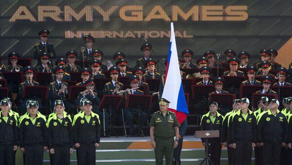 Министр обороны РФ Сергей Шойгу на церемонии открытия Армейских международных игр - 2016 в подмосковной Кубинке - Sputnik Italia