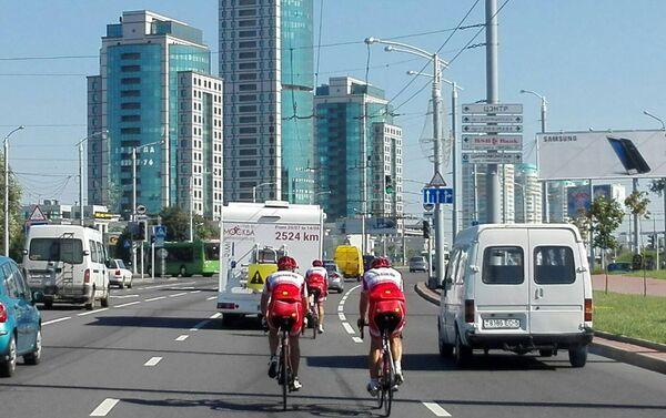 I tre ciclisti a Minsk - Sputnik Italia