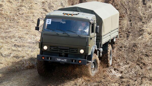 Подготовка военных водителей на автодроме в Дмитрове - Sputnik Italia