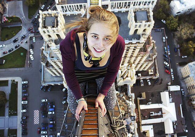 Bella e coraggiosa: roofer russa Anghelina Nikolau.