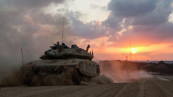 Carroarmato israeliano nei pressi della Striscia di Gaza - Sputnik Italia