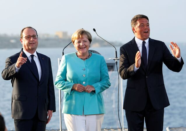 Matteo Renzi, Angela Merkel e Francois Hollande a Ventotene