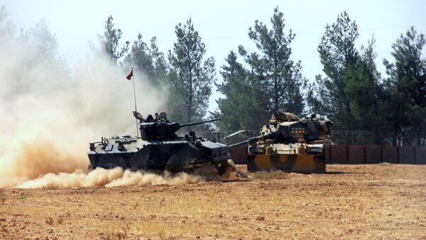 Carri armati turchi al confile con la Siria - Sputnik Italia