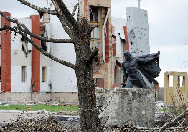 Donetsk, danneggiamenti dopo i bombardamenti
