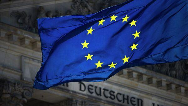 Bandiera UE sullo sfondo del Reichstag - Sputnik Italia