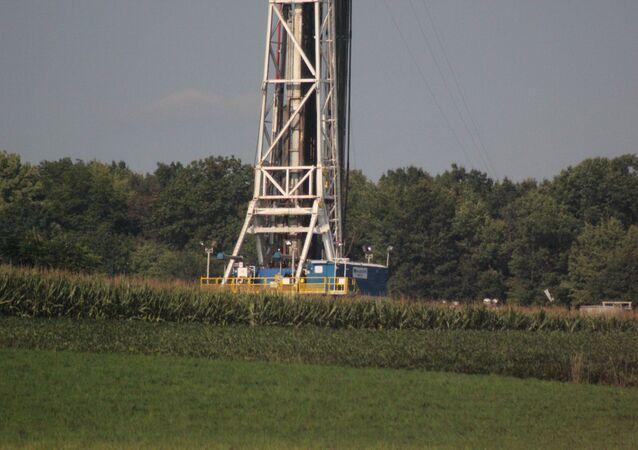 Impianto per estrazione di gas e petrolio di scisto