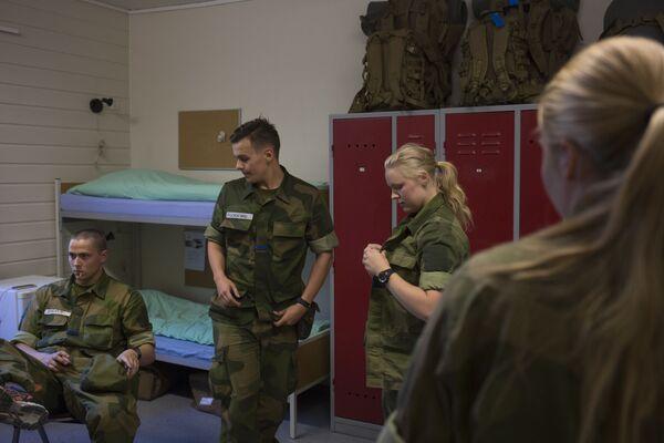 Le prime donne reclute dell'esercito della Norvegia. - Sputnik Italia