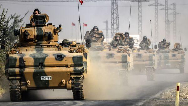 Танк турецкой армии у границы с Сирией - Sputnik Italia
