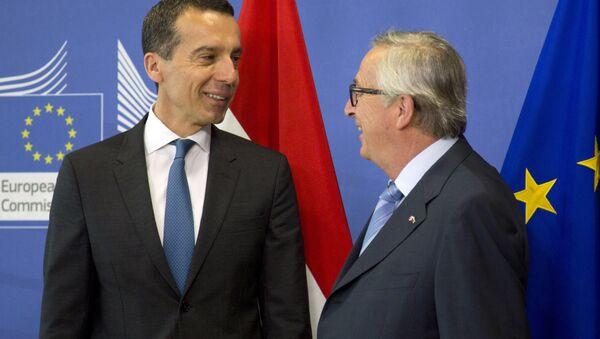 Christian Kern e Jean-Claude Juncker - Sputnik Italia