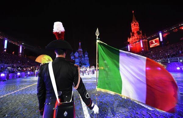I carabinieri e le altre bande militari sulla Piazza Rossa - Sputnik Italia