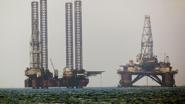 Estrazione petrolio nel Mar Caspio - Sputnik Italia
