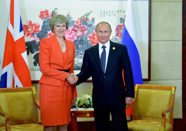 Incontro tra Vladimir Putin e Theresa May al G20