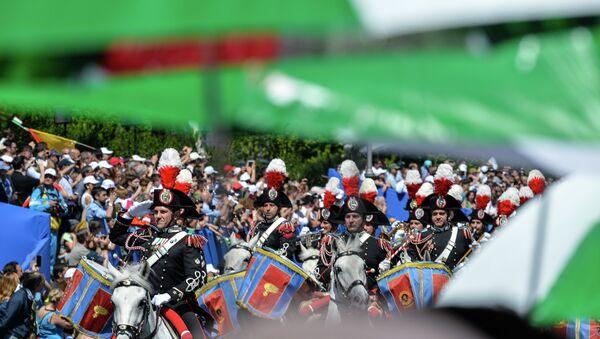 I Carabinieri alla parata del 2 giugno - Sputnik Italia