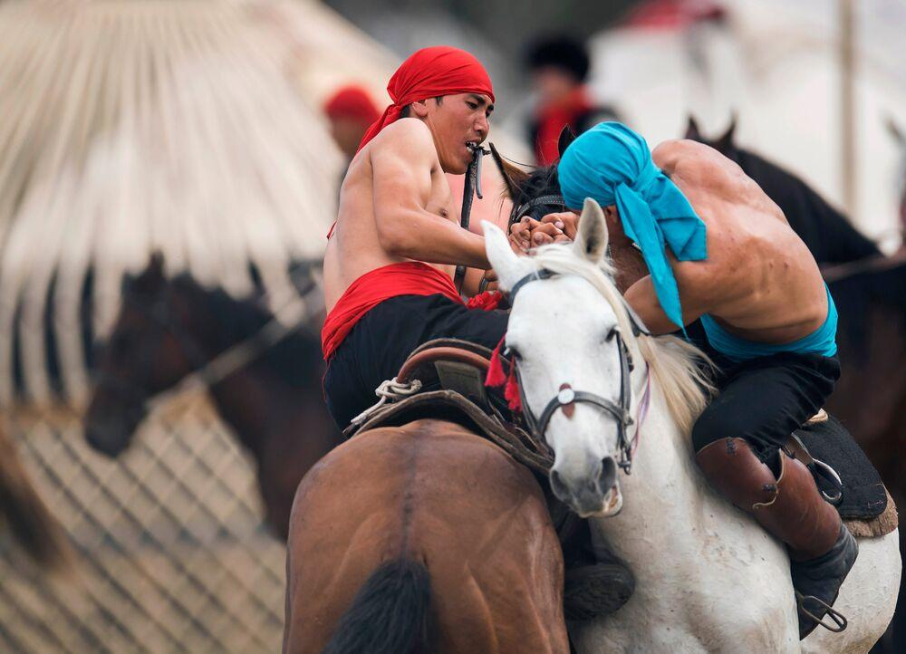Liberi e fieri, lo spirito nomade rivive in Kyrgyzstan