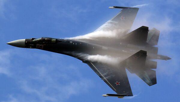 Su-35 super maneuverable multirole fighter - Sputnik Italia