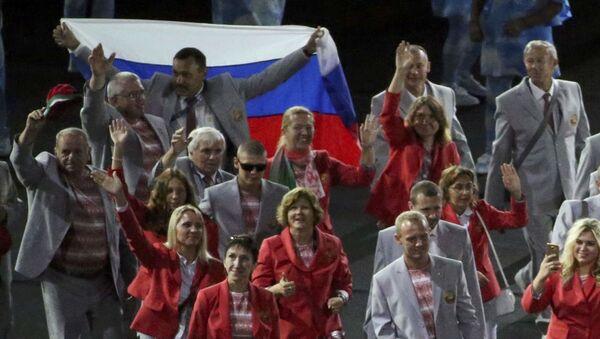 Paralimpiadi, atleta bielorusso porta la bandiera russa alla cerimonia di apertura - Sputnik Italia