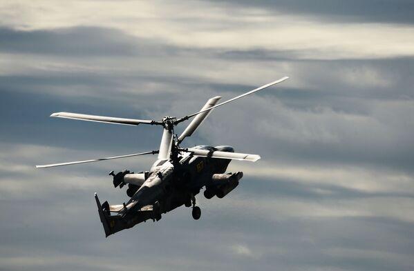 Il caccia multifunzionale Sukhoi SU-30CM dopo il decollo. - Sputnik Italia