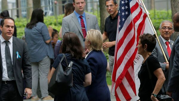 US Democratic presidential candidate Hillary Clinton leaves ceremonies marking the 15th anniversary of the September 11 attacks at the National 9/11 Memorial in New York, New York, United States September 11, 2016. - Sputnik Italia