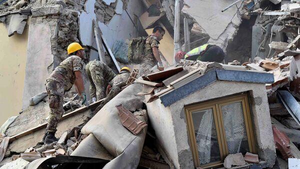 Conseguenze del terremoto in Italia - Sputnik Italia