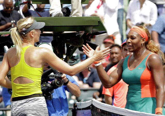 Maria Sharapova e Serena Williams (foto d'archivio)