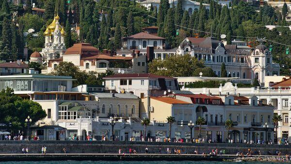 La vista su Jalta dal mar Nero, Crimea. - Sputnik Italia
