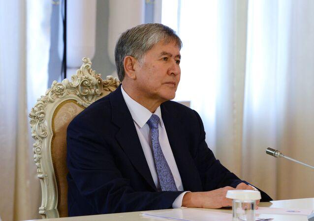 Il presidente del Kirghizistan Almazbek Atambayev