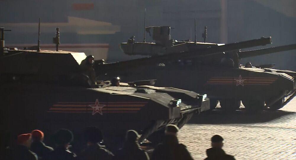 """Carro armato T-14 """"Armata"""" (foto d'archivio)"""