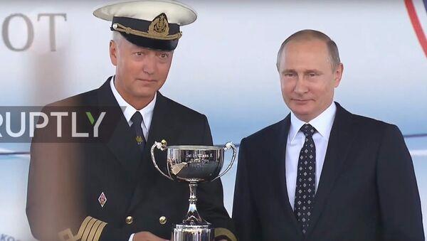 Putin Premia i marinai - Sputnik Italia