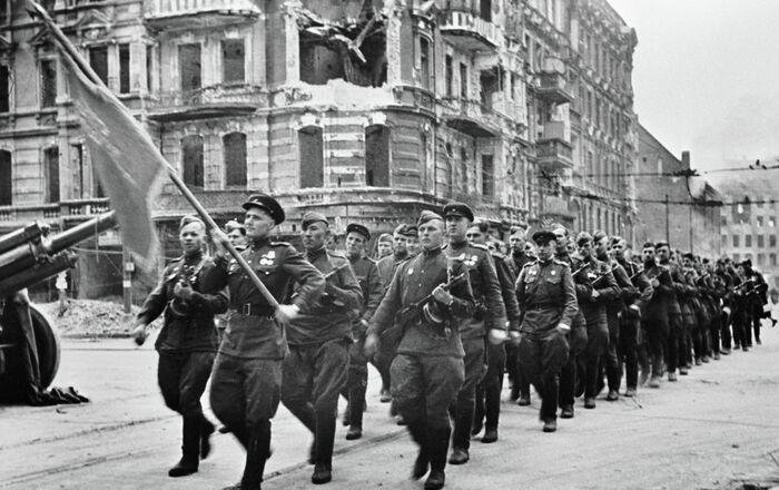 Soldati sovietici a Berlino