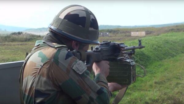 Militari indiani provano armamenti russi - Sputnik Italia