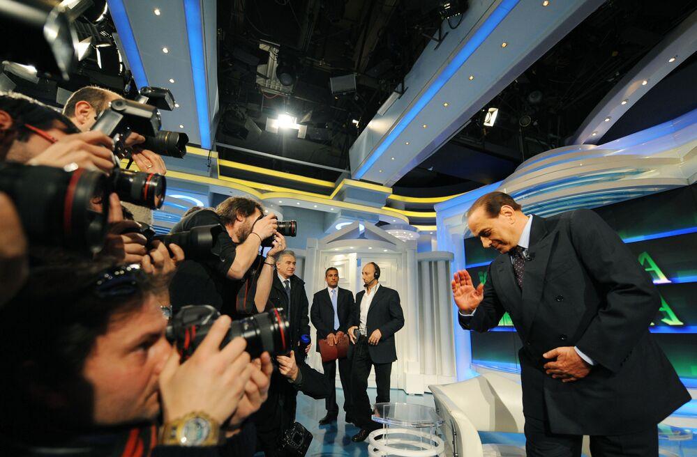 Silvio Berlusconi durante la sua puntata di Porta a Porta.