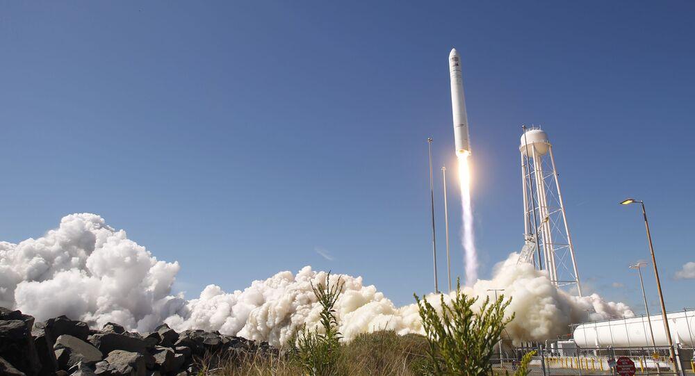Lancio del razzo vettore americano Antares