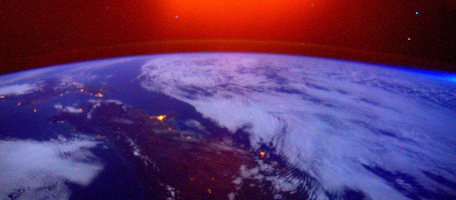 Una foto della Terra presa dall'ISS - Sputnik Italia, 1920, 15.04.2021