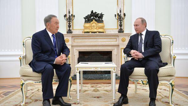 Presidente russo Vladimir Putin incontra Presidente kazako Nursultan Nazarbayev - Sputnik Italia