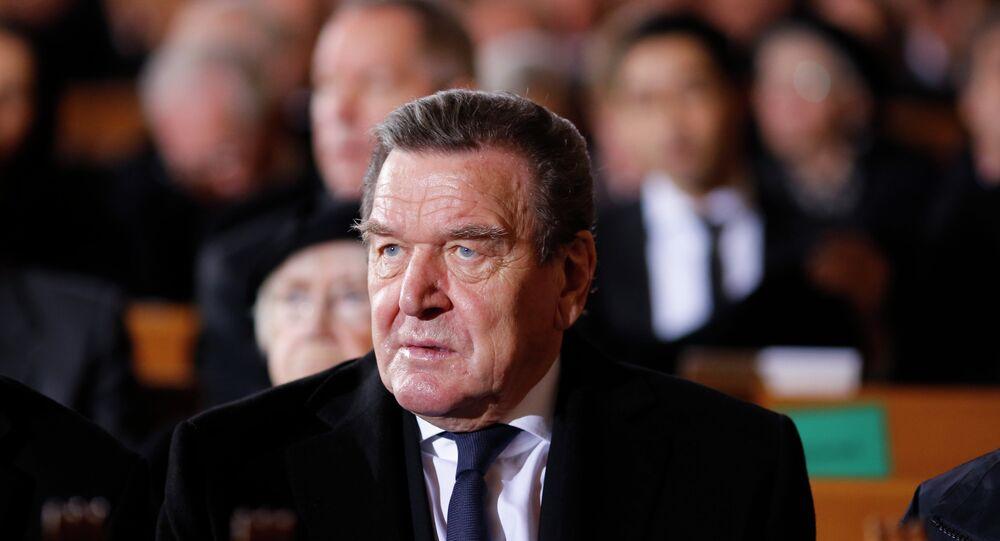 L'ex cancelliere della Germania Gerhard Schroeder