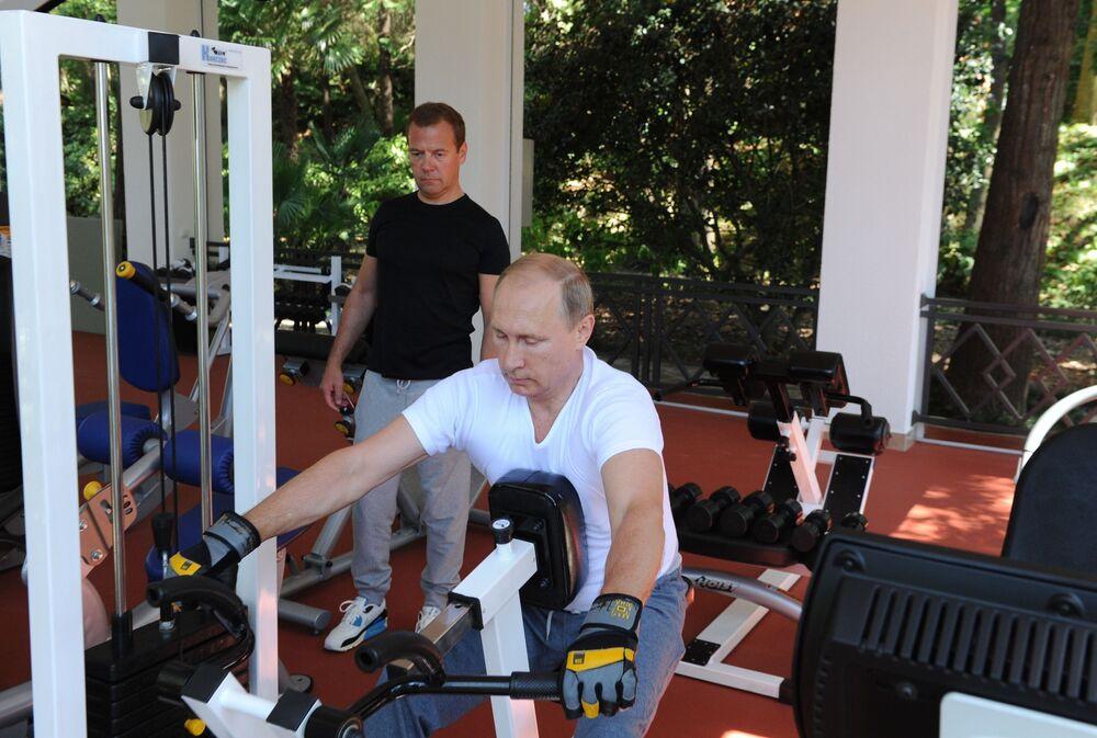 Vladimir Putin compie 64 anni.