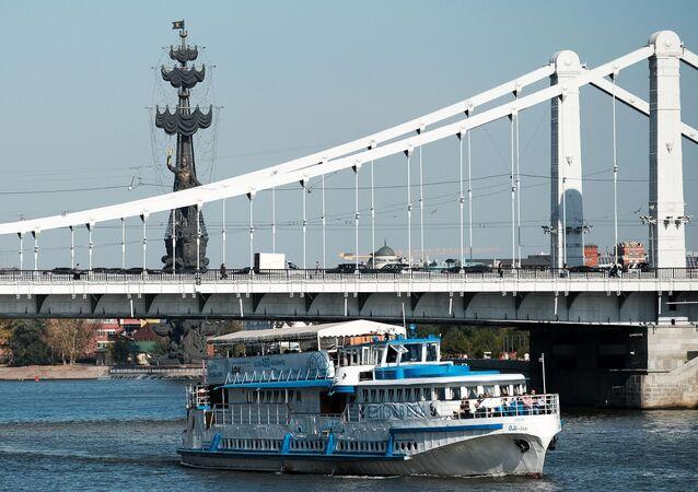 Ponte Krymskij, Mosca