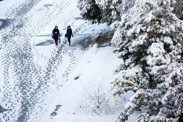 La prima neve a Omsk - Sputnik Italia