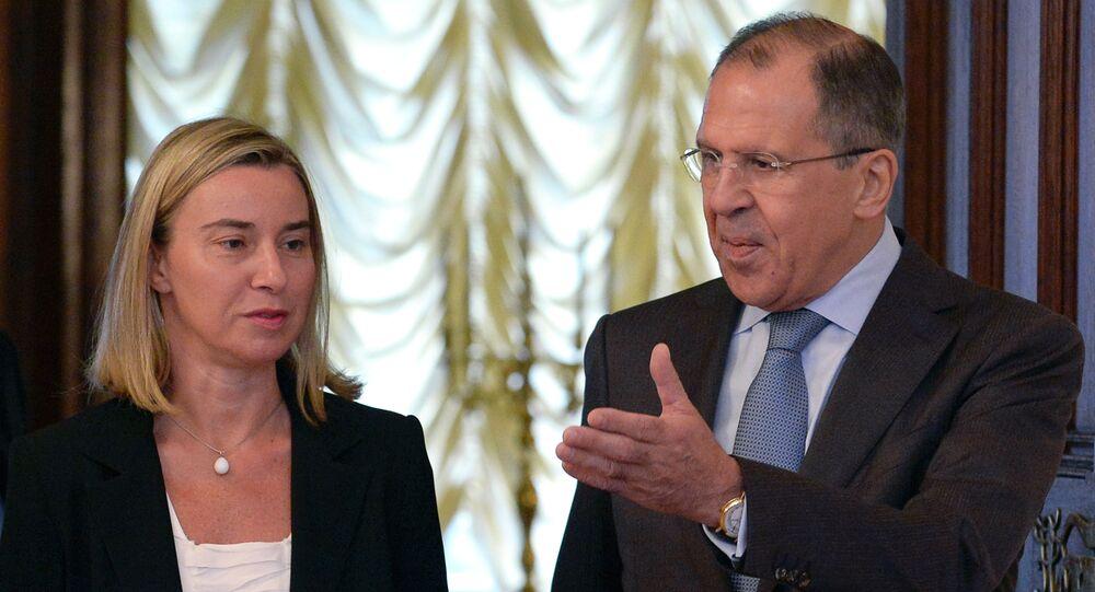 Sergei Lavrov e Federica Mogherini